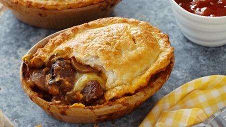 steak cheese mushroom pie